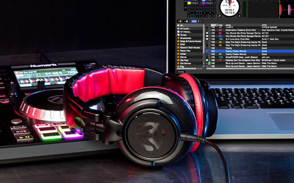 Numark Red Wave Carbon Dj Headphones Chicago Dj